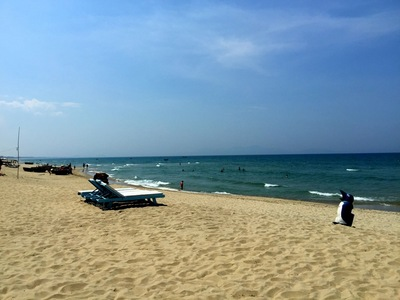 beach2i.jpg